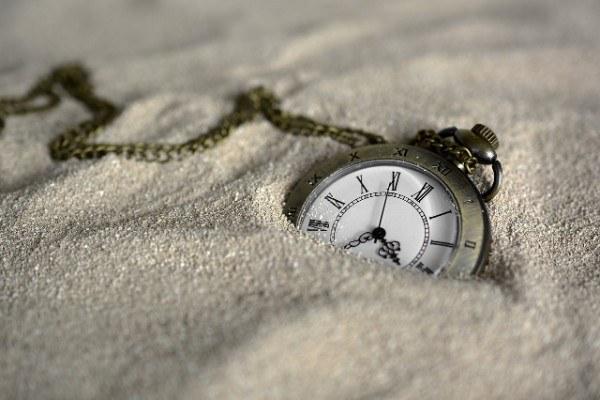 social media marketing tips clock